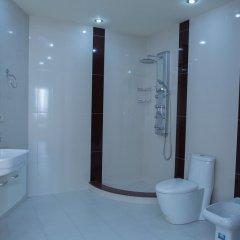 Отель Апарт-Отель Grand Hills Yerevan Армения, Ереван - отзывы, цены и фото номеров - забронировать отель Апарт-Отель Grand Hills Yerevan онлайн ванная