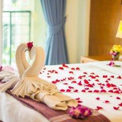 Отель Baan Karon Resort 3* Улучшенный номер с различными типами кроватей фото 4