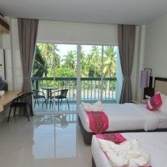 Отель AM Surin Place комната для гостей фото 17