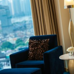 Renaissance Shanghai Yu Garden Hotel комната для гостей фото 2