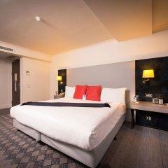 Отель Crowne Plaza London Kensington сейф в номере