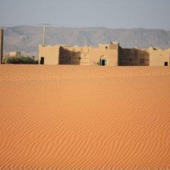 Отель Kasbah Le Berger Марокко, Мерзуга - отзывы, цены и фото номеров - забронировать отель Kasbah Le Berger онлайн спортивное сооружение