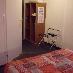 Отель Quick Palace Auxerre сейф в номере