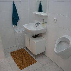 Отель Esfand Hostel Германия, Берлин - отзывы, цены и фото номеров - забронировать отель Esfand Hostel онлайн ванная