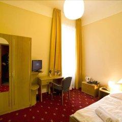 Отель Palacky Чехия, Карловы Вары - 1 отзыв об отеле, цены и фото номеров - забронировать отель Palacky онлайн комната для гостей фото 5