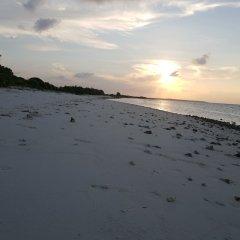 Отель Finimas Residence Мальдивы, Тимарафуши - отзывы, цены и фото номеров - забронировать отель Finimas Residence онлайн пляж