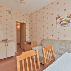 Гостиница FlatHome24 near metro Komendanskiy prospect комната для гостей фото 5