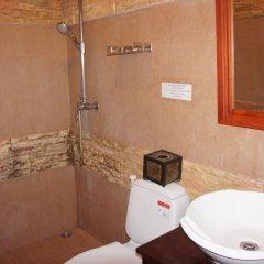 Отель Pangkham Lodge ванная