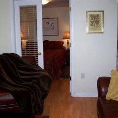 Отель Kitsilano Garden Suites Канада, Ванкувер - отзывы, цены и фото номеров - забронировать отель Kitsilano Garden Suites онлайн комната для гостей фото 2