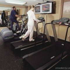 Отель Radisson Suites Tucson фитнесс-зал