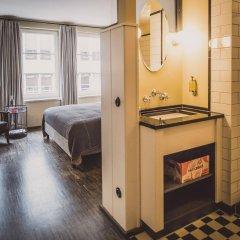Отель Henri Hotel Hamburg Downtown Германия, Гамбург - 1 отзыв об отеле, цены и фото номеров - забронировать отель Henri Hotel Hamburg Downtown онлайн ванная