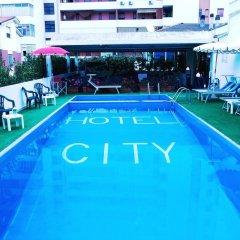 Hotel City Монтезильвано бассейн