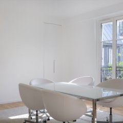 Отель Crisp Whites in the 16th Франция, Париж - отзывы, цены и фото номеров - забронировать отель Crisp Whites in the 16th онлайн питание
