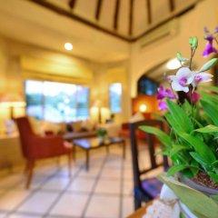 Отель Supatra Hua Hin Resort интерьер отеля