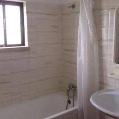 Отель Clube Alvorférias Португалия, Портимао - 1 отзыв об отеле, цены и фото номеров - забронировать отель Clube Alvorférias онлайн ванная