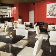 Отель Holiday Inn Belgrade гостиничный бар