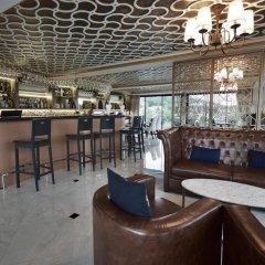 Отель Surin Loft by Holiplanet Таиланд, Камала Бич - отзывы, цены и фото номеров - забронировать отель Surin Loft by Holiplanet онлайн гостиничный бар