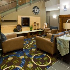 Holiday Inn Express Hotel and Suites Mankato East интерьер отеля фото 3