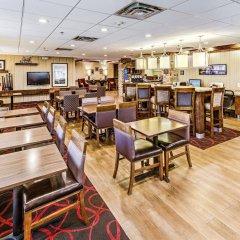 Отель Hampton Inn Columbus I-70E/Hamilton Road США, Колумбус - отзывы, цены и фото номеров - забронировать отель Hampton Inn Columbus I-70E/Hamilton Road онлайн гостиничный бар