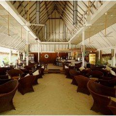 Отель Ellaidhoo Maldives by Cinnamon интерьер отеля