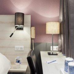 Отель Kyriad Lille Est Villeneuve d'Ascq сауна