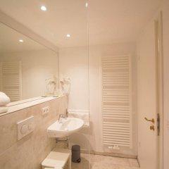 das kleine Hotel in München ванная