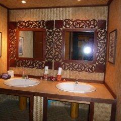 Отель The Old Tree House ванная