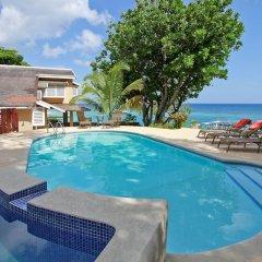 Отель Afterglow/Mamiti Cove,Ocho Rios 3BR Ямайка, Очо-Риос - отзывы, цены и фото номеров - забронировать отель Afterglow/Mamiti Cove,Ocho Rios 3BR онлайн бассейн фото 3