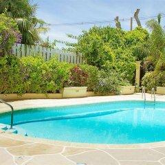 Golden Sands Hotel бассейн