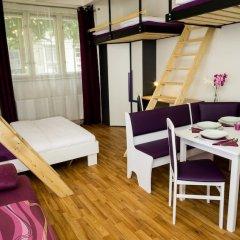 Апартаменты Flying Bed Apartment close to Castle Прага балкон