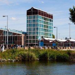 Отель DoubleTree by Hilton Hotel Amsterdam - NDSM Wharf Нидерланды, Амстердам - отзывы, цены и фото номеров - забронировать отель DoubleTree by Hilton Hotel Amsterdam - NDSM Wharf онлайн приотельная территория фото 2