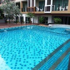 Отель August Suites Pattaya Паттайя бассейн