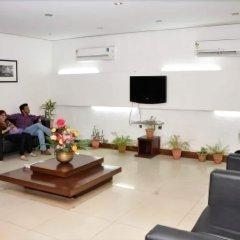 Отель Sarthak Palace Индия, Нью-Дели - отзывы, цены и фото номеров - забронировать отель Sarthak Palace онлайн интерьер отеля фото 2