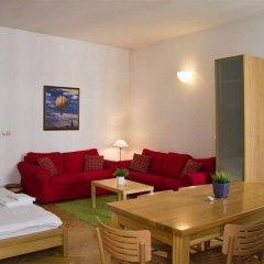 Апартаменты Apartment Charles Bridge - View Прага комната для гостей фото 4
