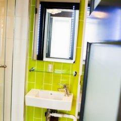 Отель The Wellington Hotel Великобритания, Лондон - 6 отзывов об отеле, цены и фото номеров - забронировать отель The Wellington Hotel онлайн ванная фото 6