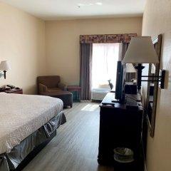 Отель Country Inn & Suites by Radisson, Midway, FL комната для гостей фото 5