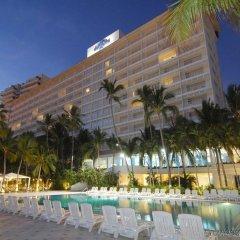 Hotel Elcano бассейн