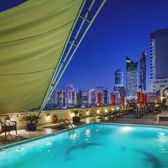 Отель CORNICHE Абу-Даби бассейн фото 3