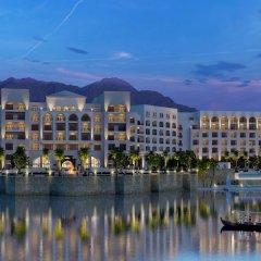 Отель Al Manara, a Luxury Collection Hotel, Saraya Aqaba Иордания, Акаба - 1 отзыв об отеле, цены и фото номеров - забронировать отель Al Manara, a Luxury Collection Hotel, Saraya Aqaba онлайн приотельная территория фото 2