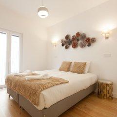 Апартаменты Mouraria Blue Three-Bedroom Apartment w/ Parking - by LU Holidays комната для гостей фото 4