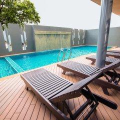 Отель Rattana Residence Sakdidet бассейн