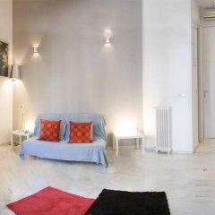Отель Apartamentos Puerta Del Sol - Plaza Mayor Испания, Мадрид - отзывы, цены и фото номеров - забронировать отель Apartamentos Puerta Del Sol - Plaza Mayor онлайн комната для гостей фото 2