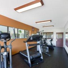 Отель Comfort Suites Plainview фитнесс-зал