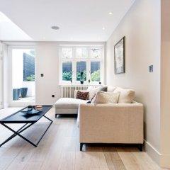 Апартаменты Homely and Chic 2 Bed Apartment Лондон комната для гостей фото 5