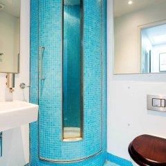 Отель Colourful Cool in Notting Hill Великобритания, Лондон - отзывы, цены и фото номеров - забронировать отель Colourful Cool in Notting Hill онлайн ванная