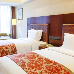 Отель Grand Skylight Garden Hotel Shenzhen Китай, Шэньчжэнь - отзывы, цены и фото номеров - забронировать отель Grand Skylight Garden Hotel Shenzhen онлайн комната для гостей фото 2