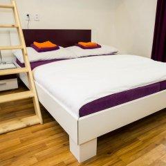 Апартаменты Flying Bed Apartment close to Castle Прага сейф в номере