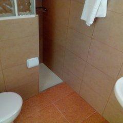 Отель Hostal Lleida ванная фото 4