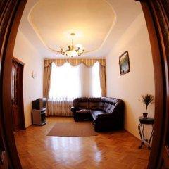 Гостиница Austrian Lviv Apartments Украина, Львов - отзывы, цены и фото номеров - забронировать гостиницу Austrian Lviv Apartments онлайн комната для гостей фото 3