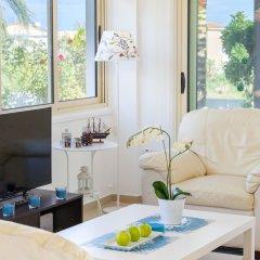 Отель Villa Crystal Sea Кипр, Протарас - отзывы, цены и фото номеров - забронировать отель Villa Crystal Sea онлайн комната для гостей фото 5
